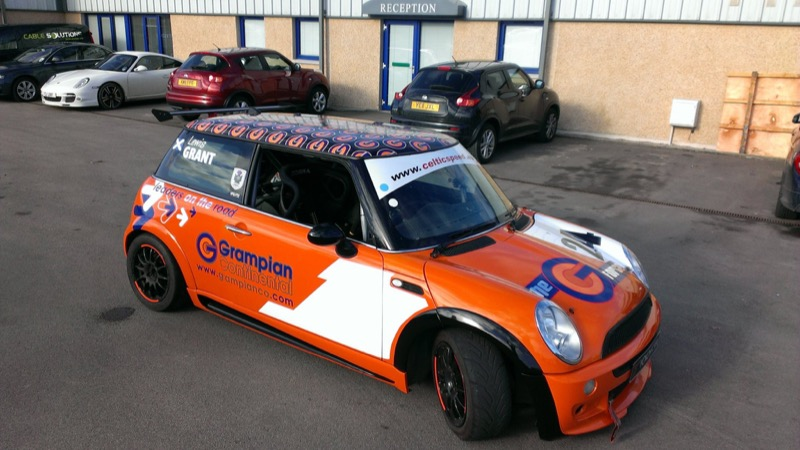Car Graphics & Vinyl Wraps Aberdeen - Rood Signs